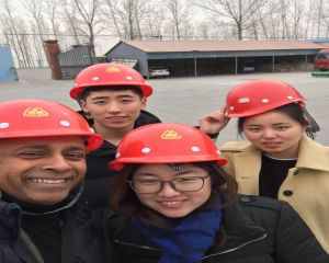 On January 15th, 2019, the customers from Canada visited Huayin pyrolysis demo factory.